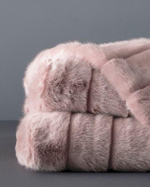 10 Best Faux Fur Throws Coziest Faux Fur Blankets You