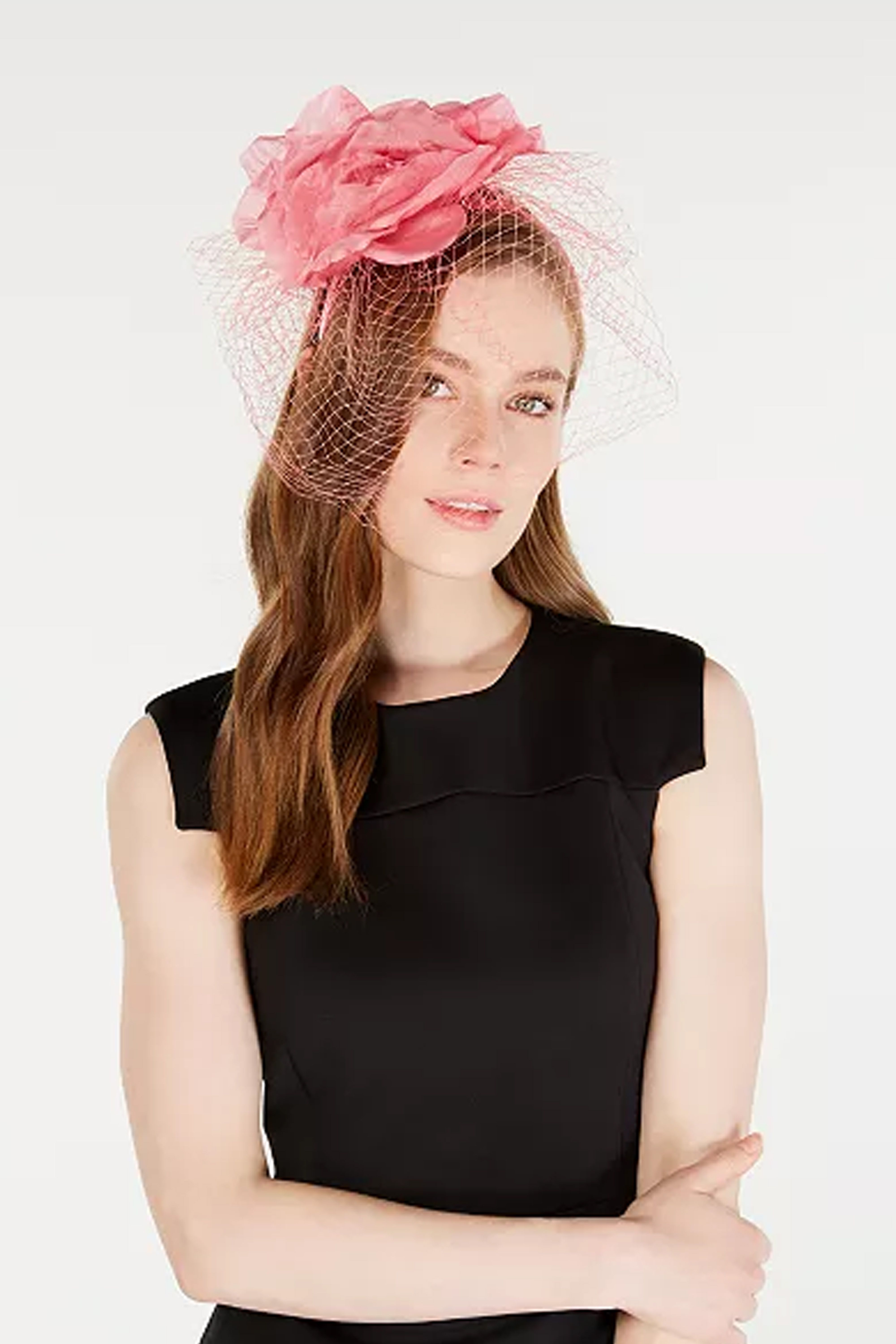 f60ab404eea Kentucky Derby Outfits - What to Wear to the Kentucky Derby 2019