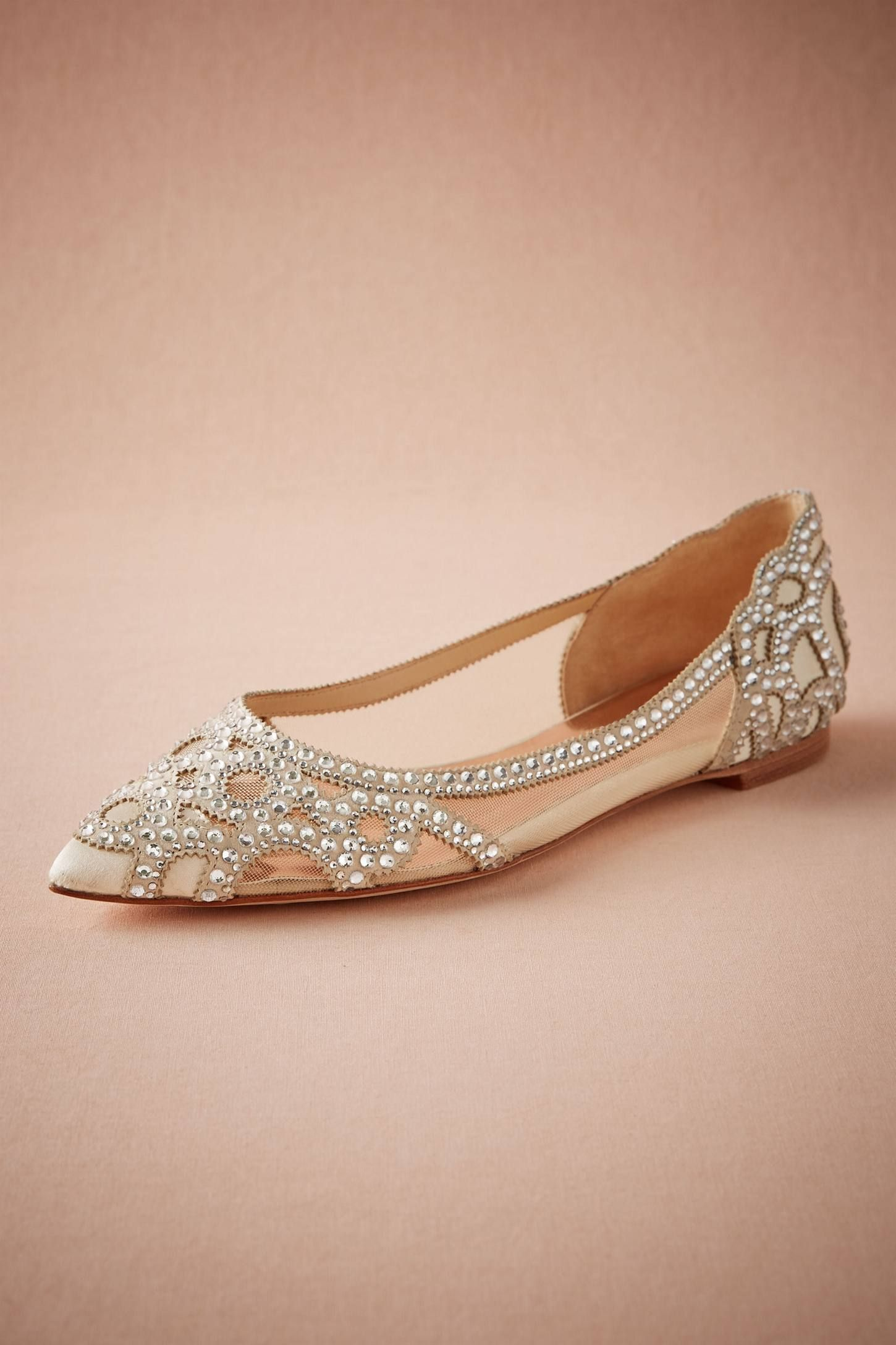952f5c35616 24 Chic Beach Wedding Shoes