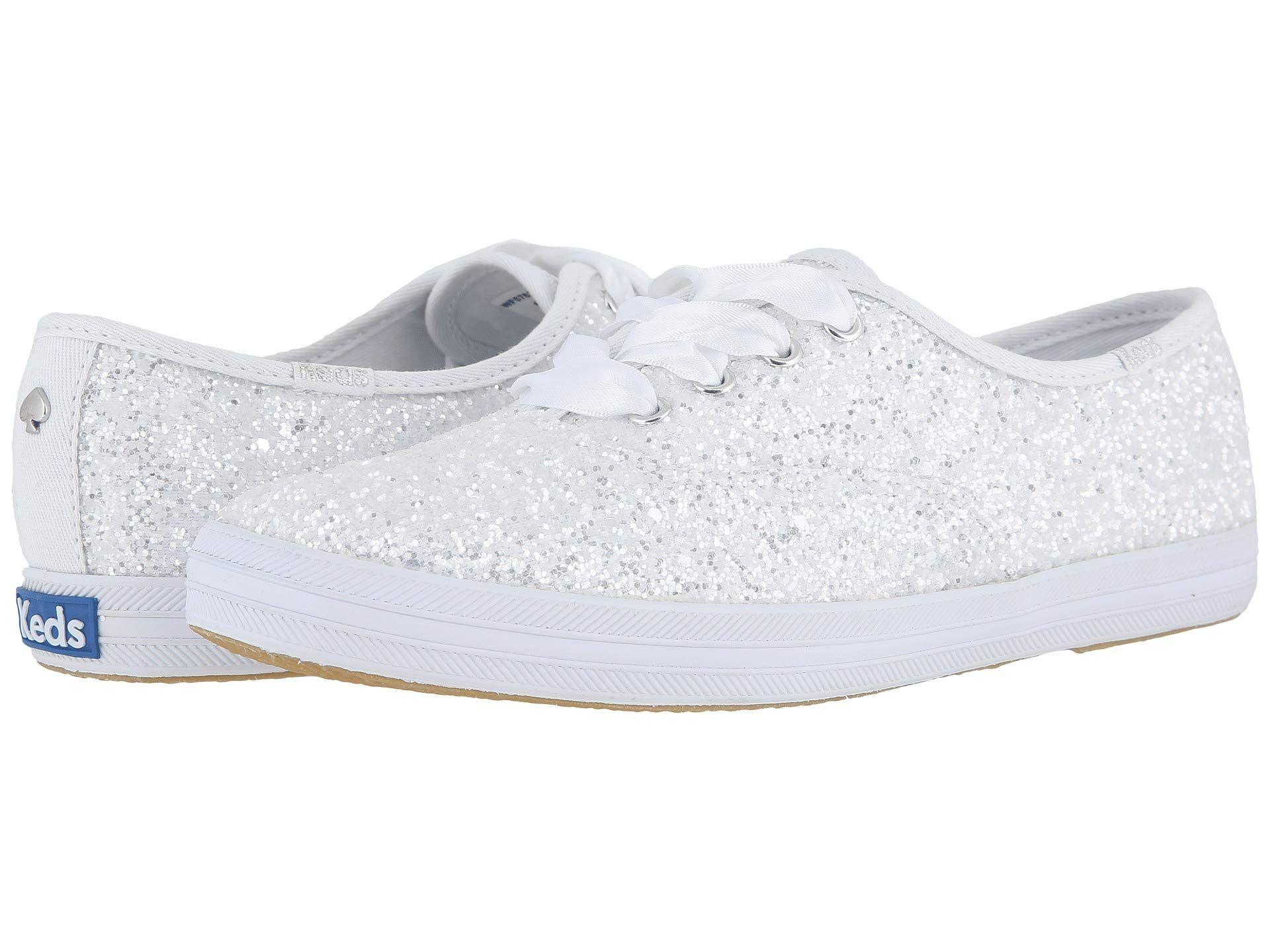 ad511c7f16f20 24 Chic Beach Wedding Shoes