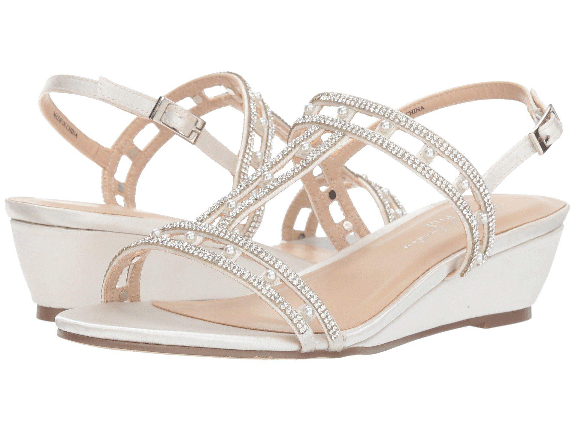 0ab02a8858b57 24 Chic Beach Wedding Shoes