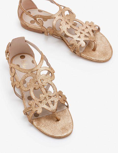 24 Chic Beach Wedding Shoes