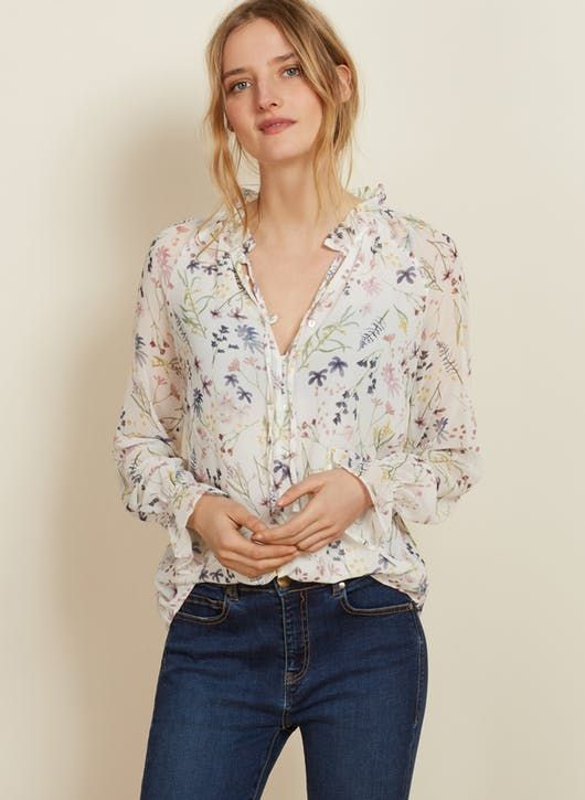 This beautiful bestselling blouse is perfect for spring