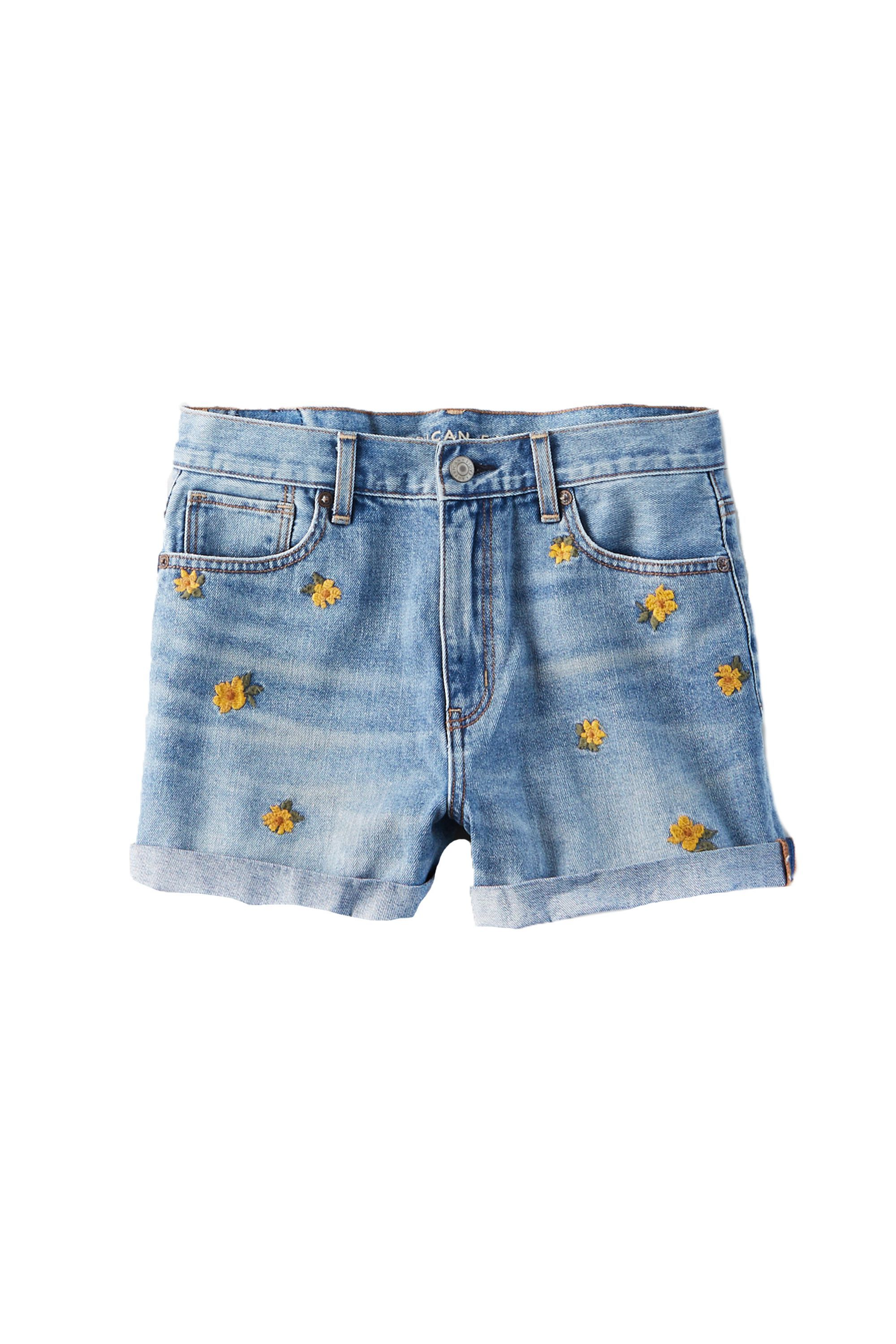 f9e7dd9770 Cute Mom Shorts for 2019 - 11 Pairs of Uncool Mom Shorts That Are Actually  Cool