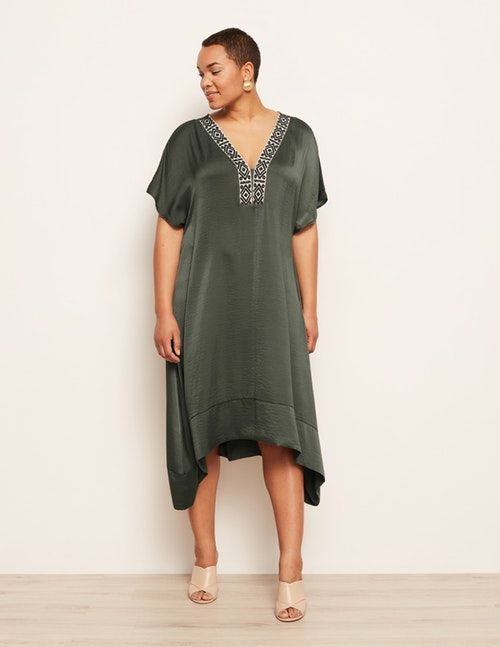 b145834e88 18 Stylish Caftan Dresses for Your Beach Vacation — Caftan Cover-Ups