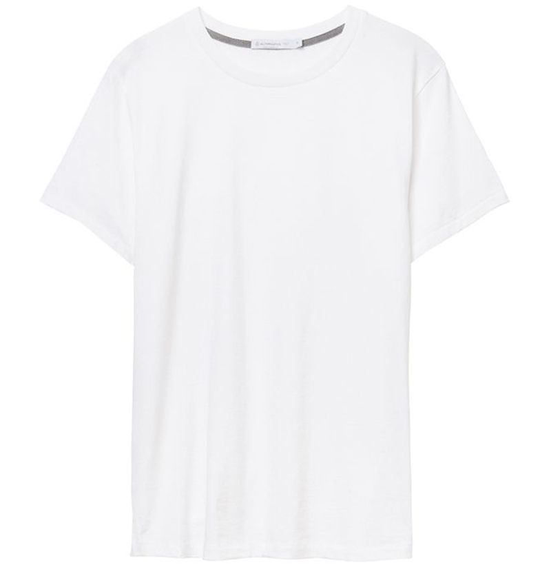 bb86f8267b5 18 Best White T-Shirts For Any Budget - Best White Tees For Men