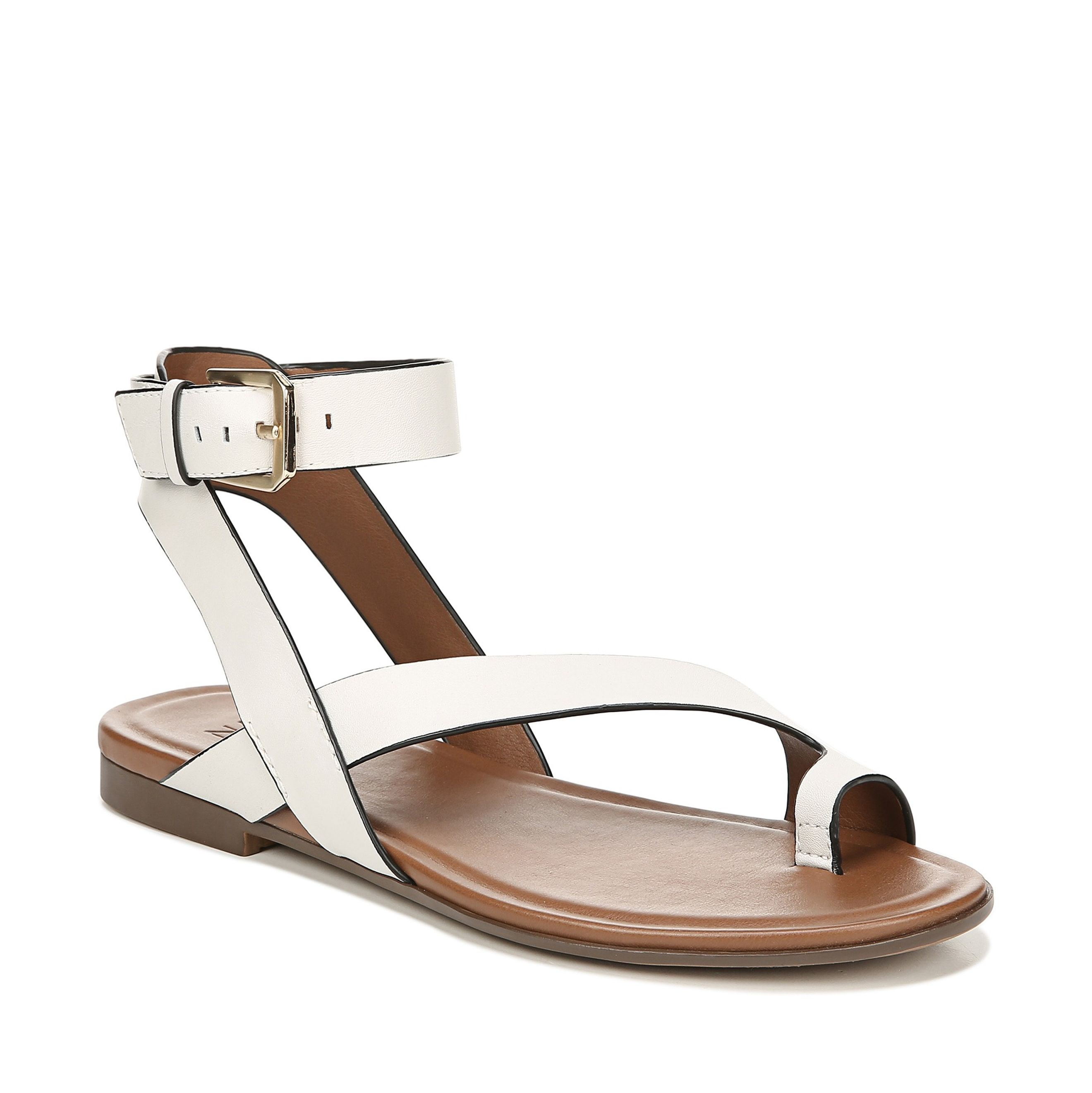 fbac9304300e 15 Comfortable Walking Sandals For Women That Are Also Super Cute