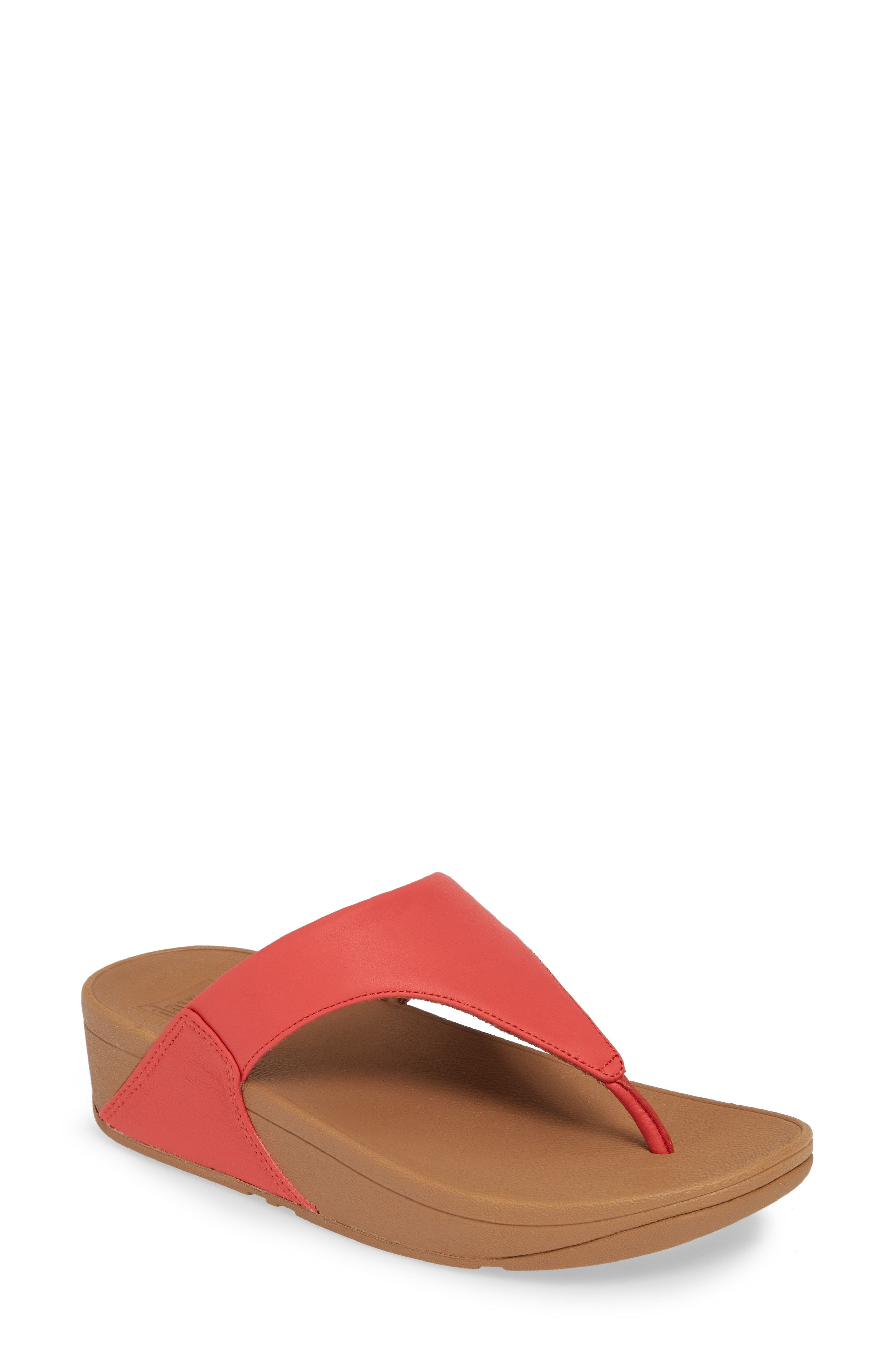 2548c15681 15 Comfortable Walking Sandals For Women That Are Also Super Cute
