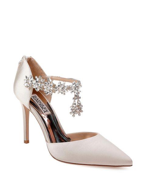 2794ecff4731 12 Most Comfortable Wedding Shoes