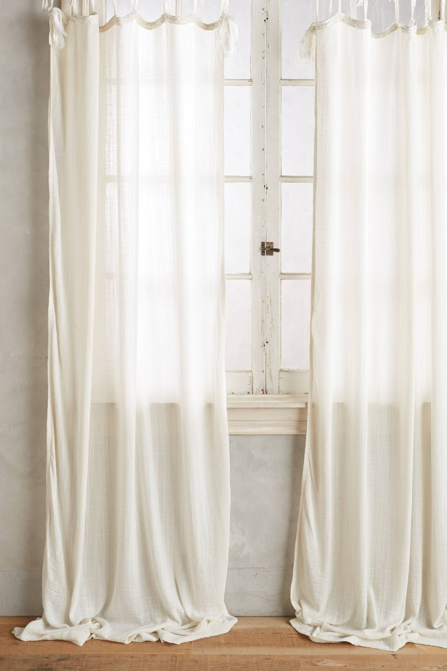 How To Choose The Right Window Treatment Drapes Vs Curtains