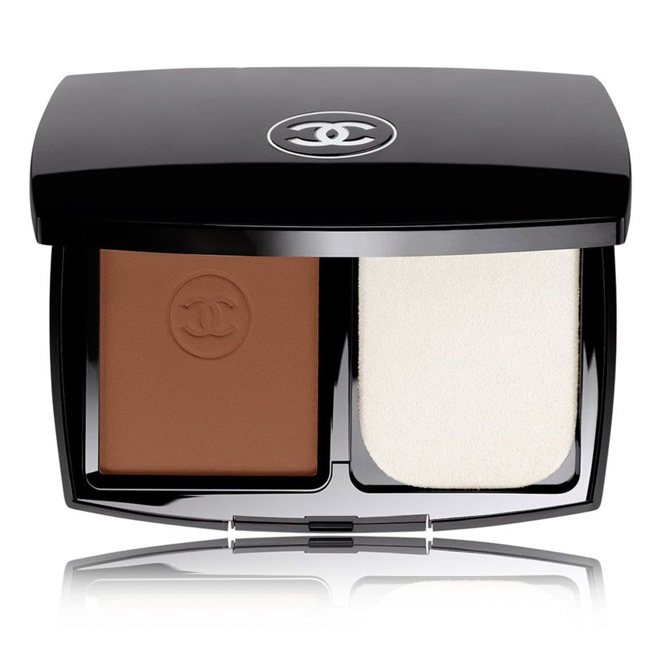For Full Coverage Le Teint Ultra Tenue Ultrawear Flawless Compact Chanel nordstrom.com $60.00 SHOP NOW The velvety formula gives the most natural, matte finish and lends itself well to quick touch-ups throughout the day.