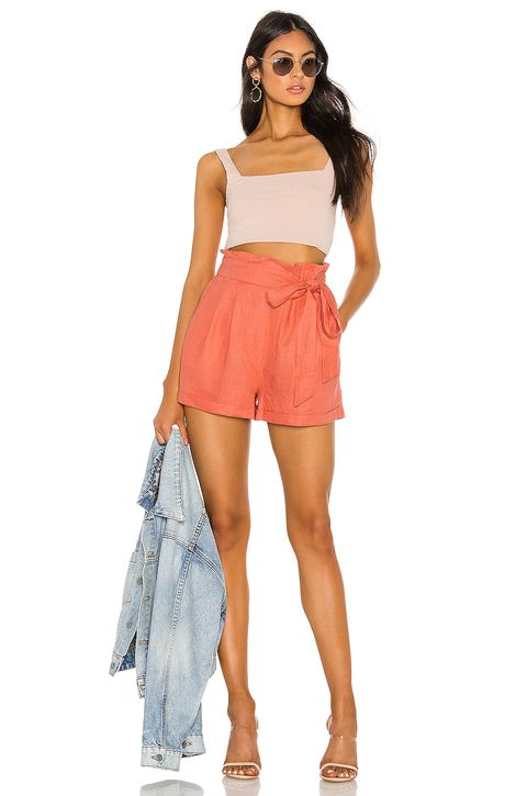 37cded198c20 32 Cute Shorts Outfit Ideas for Spring and Summer - How to Wear Shorts