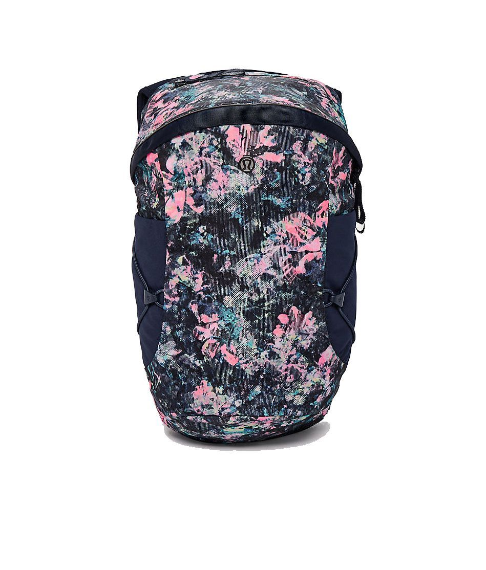 3d95af954f 15 Best Gym Bags for Women 2019 - Fitness Totes, Duffles, Backpacks