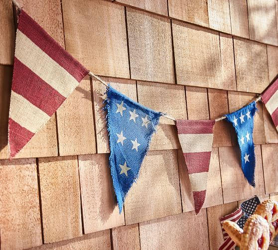 Red White /& Blue Flag Stars USA Patriotic July 4th Party Table Decorating Kit