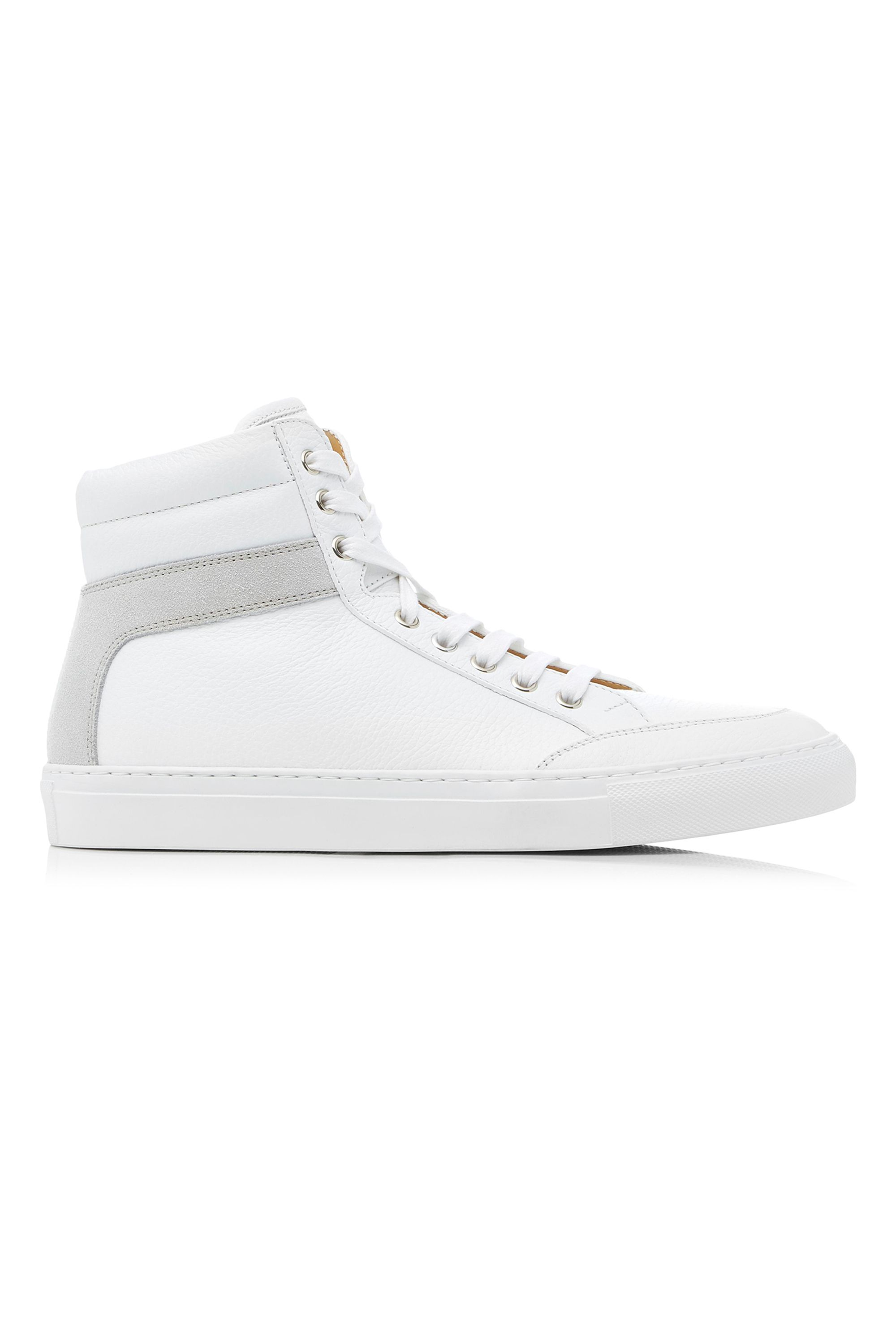 b3330d277fd293 15 Best White Sneakers for 2019 - Classic White Shoes That Go With  Everything