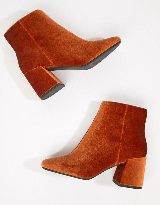 ea145a50429 Rural Velvet Ankle Boots
