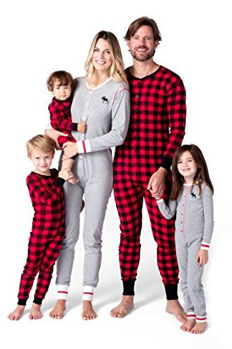 Family Christmas Pajamas With Dog.26 Cute Matching Family Christmas Pajamas