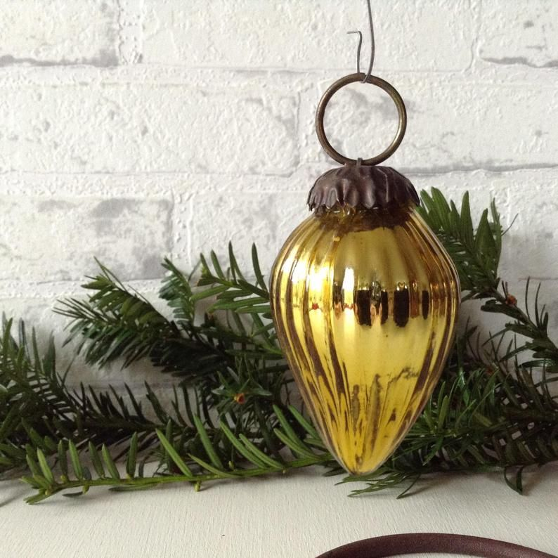 16 Vintage Christmas Decorations , Pictures of Old,Fashioned