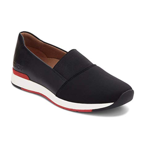sports shoes 2a4fd eac0c 10 Best Shoes for Flat Feet in 2019, According to Podiatrists