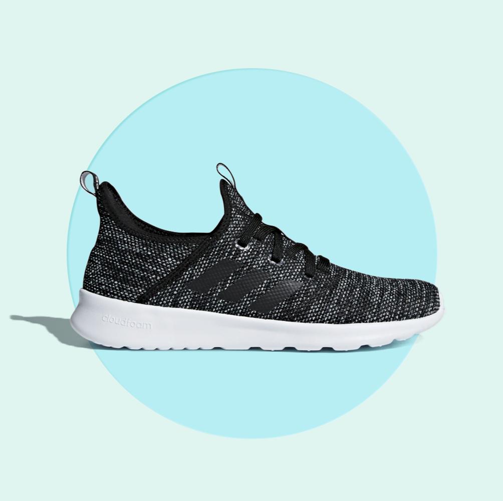 koop uitverkoop mannen / man op voet beelden van Adidas' Best-Selling Purefoam Sneakers Are on Sale at Amazon ...