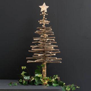 Un grand arbre, un arbre d'étoiles