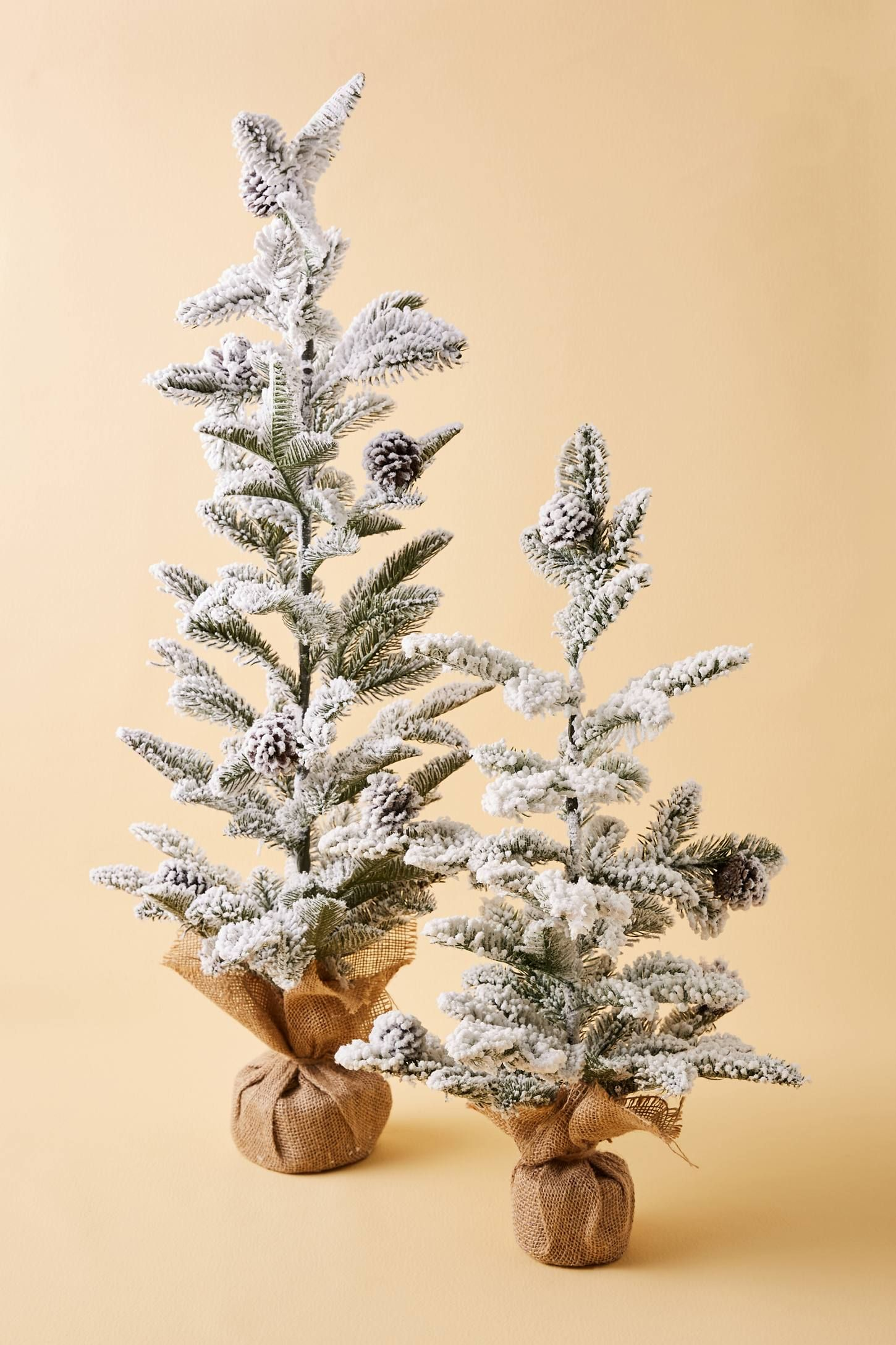 22 Perfectly Modern Christmas Trees Contemporary Christmas Ideas