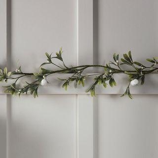 1.5m Mistletoe Artificial Christmas Garland