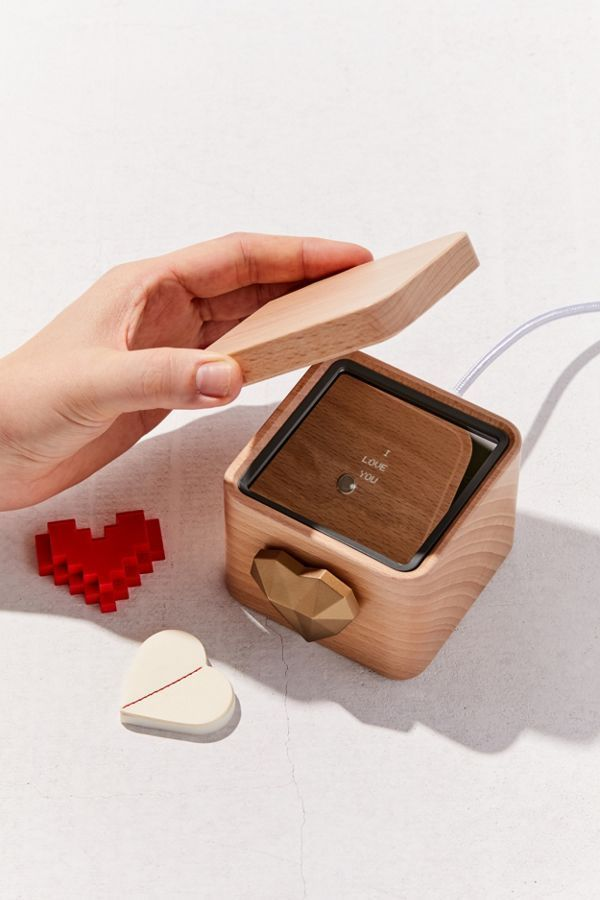 35 Romantic Gifts For Him What Is The Best Gift For Boyfriends