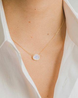 Collier en pierre de lune en or 14 carats