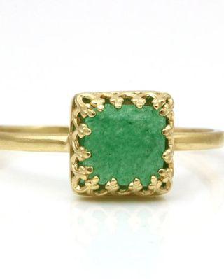 Bague en jade vert, bague remplie d'or, bague personnalisée, bague de tous les jours, bague en forme de carré, bague verte, bijoux en jade, bague vintage, bague pile