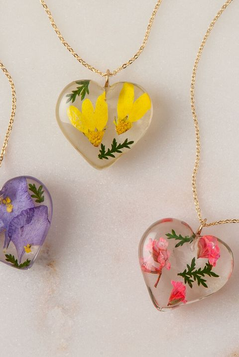 60 Thoughtful Gift Ideas For Mom 2020 Best Presents For Mom