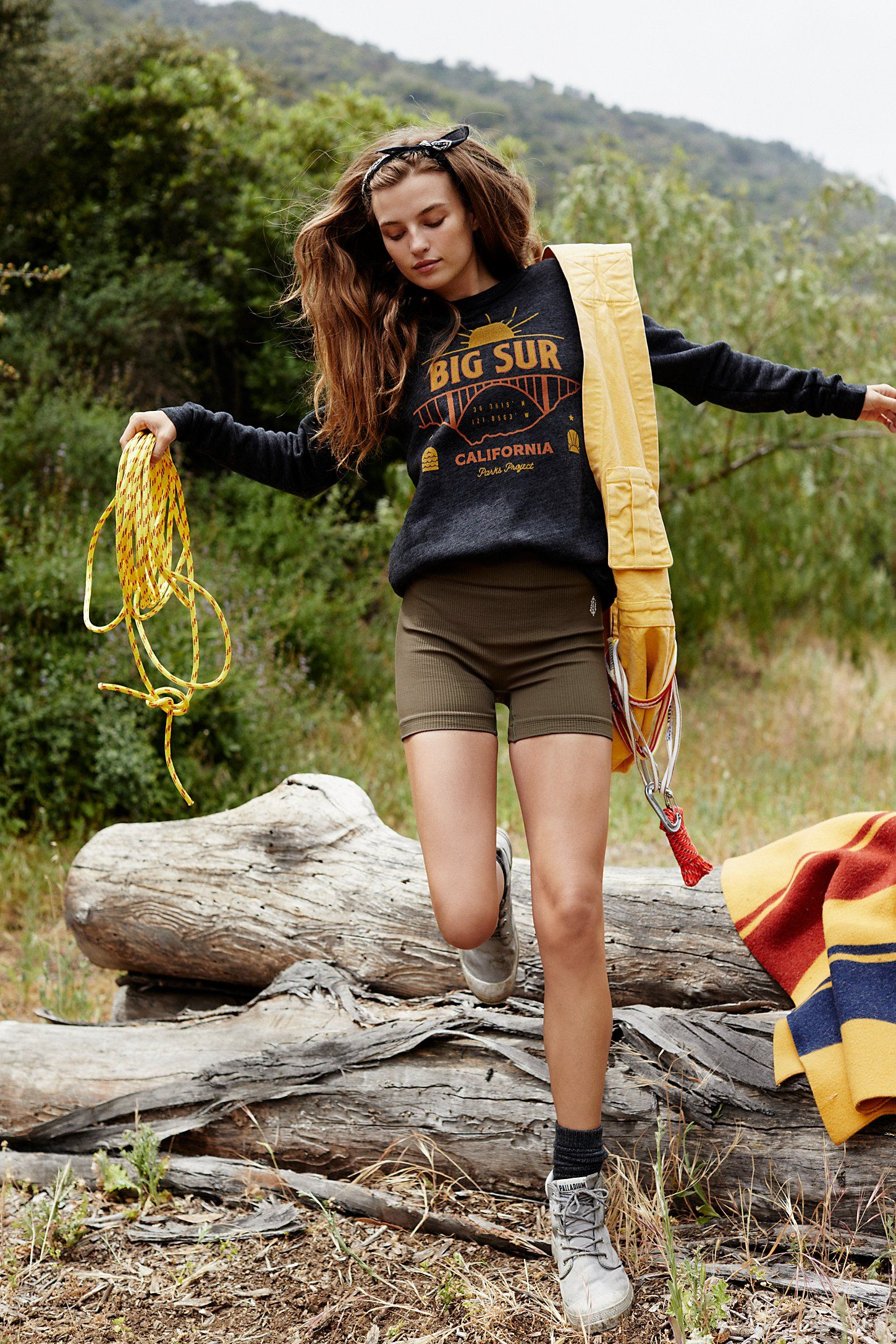 17 Cute Hiking Outfits For Women Best Clothes For Hikes 2020