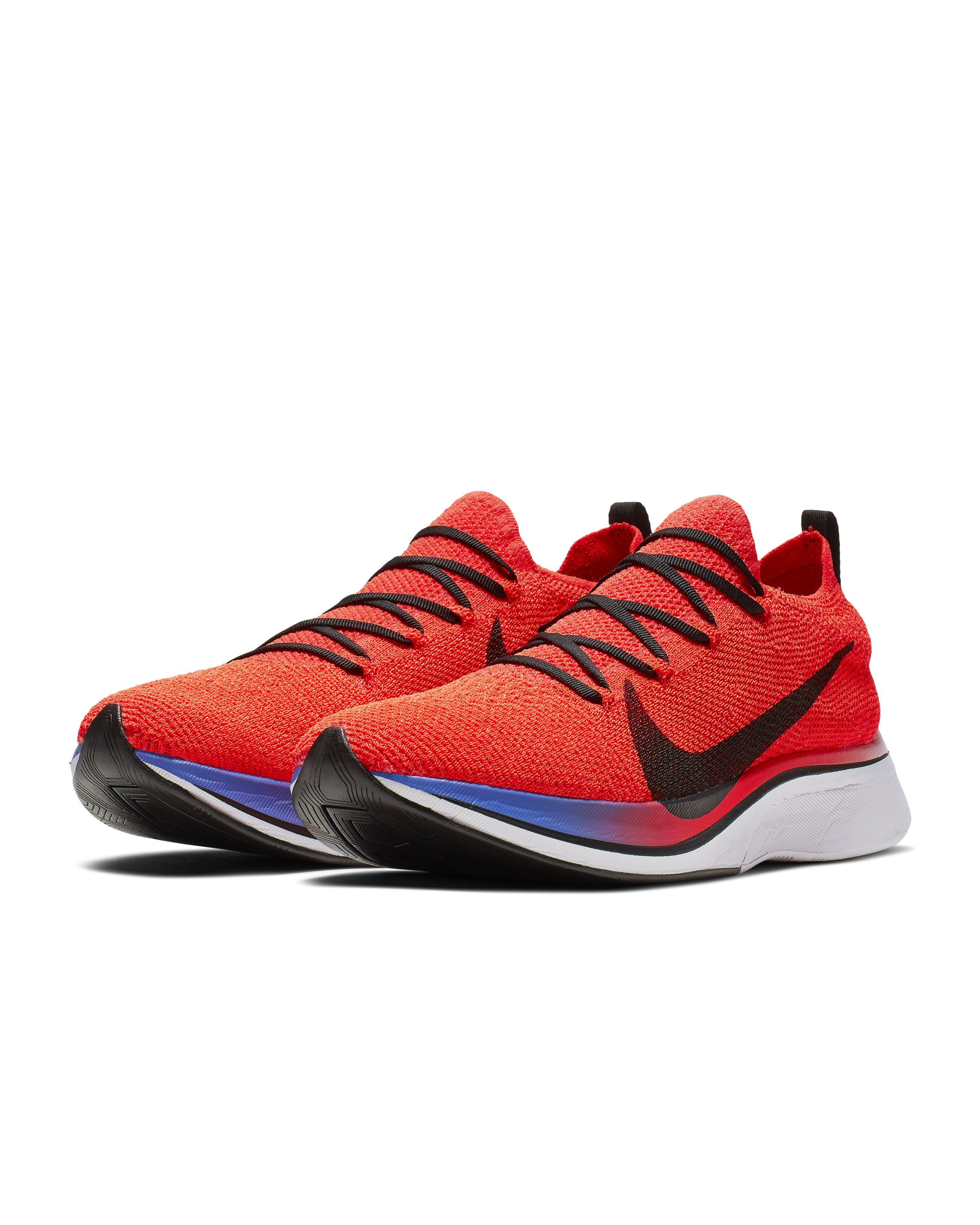 Alargar Ir a caminar dialecto  The Nike Vaporfly 4% Flyknit is On Sale Now