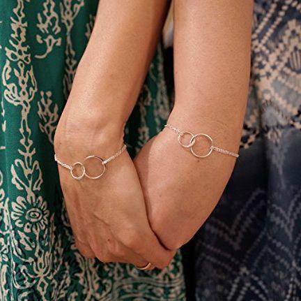 Mother Daughter Interlocking Circles Bracelet