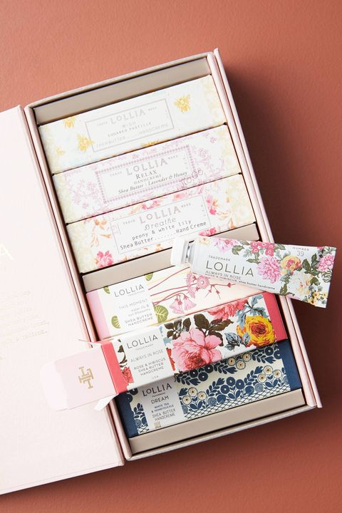 51 Thoughtful Gift Ideas For Mom 2020 Best Presents For Mom