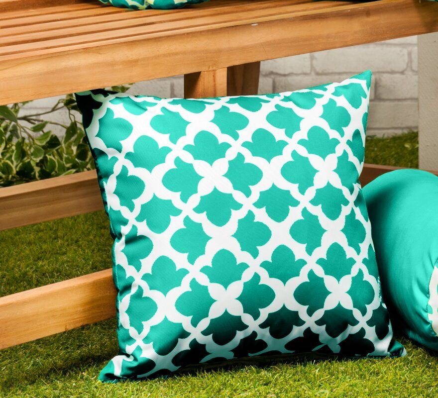 Best Outdoor Pillows and Cushions