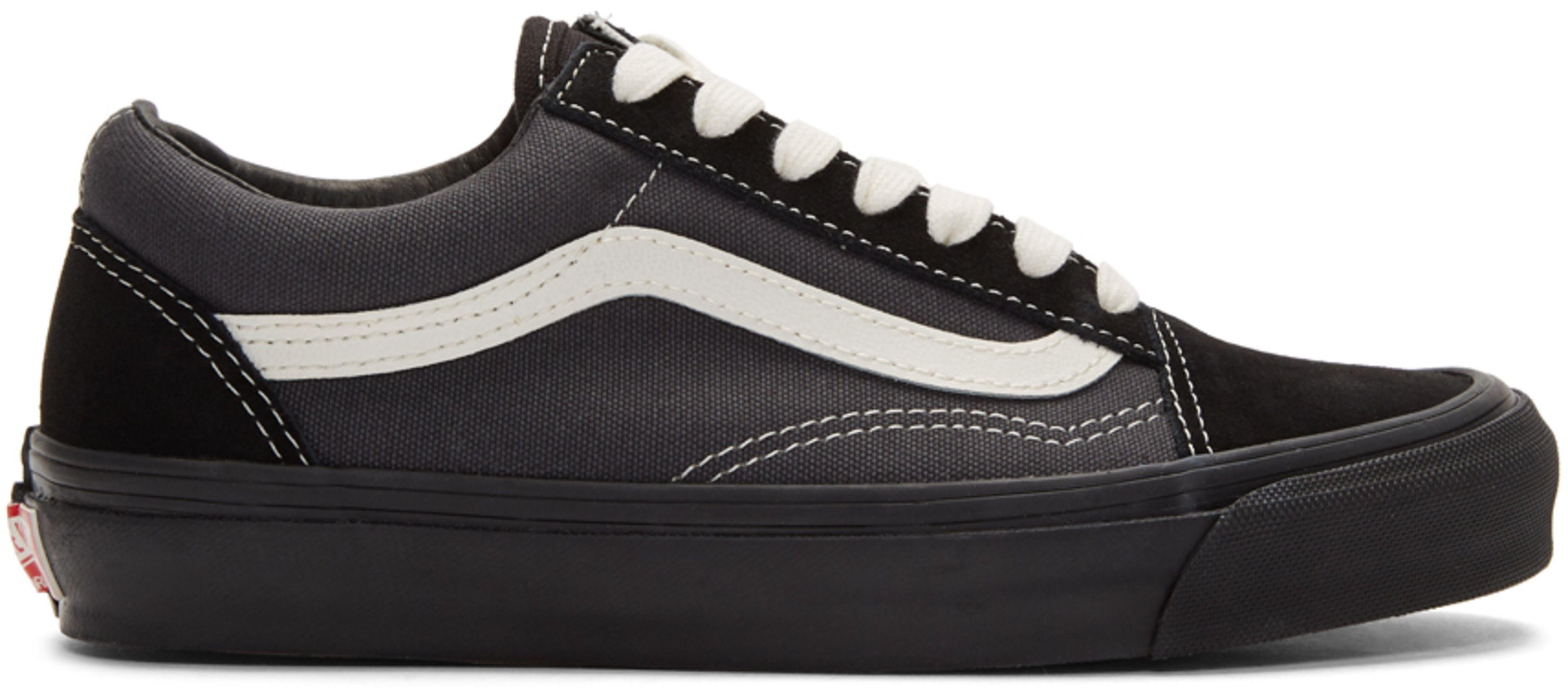 best sneakers black