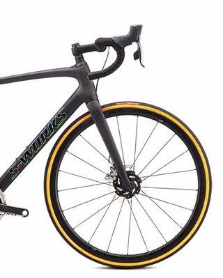 Bicicleta S-Works Roubaix SRAM Red ETAP AXS