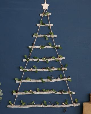 Woodland gui accroché sur l'échelle de l'arbre de Noël