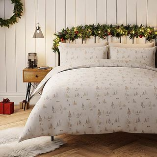 Snowy Scene 100% Cotton White Duvet Cover and Pillowcase Set