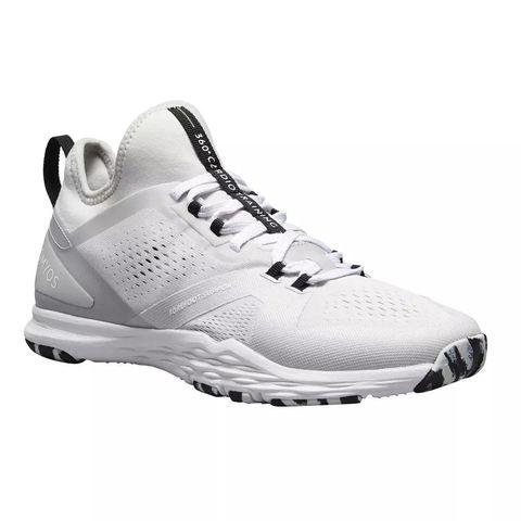 Guardería cortar Casi  Las zapatillas blancas de Decathlon de las estilistas de moda
