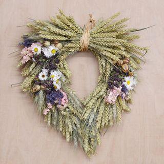 Couronne de coeur de fleurs séchées Country Garden