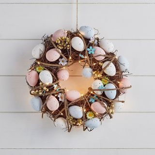 Ensemble de micro-lumières de couronne de Pâques oeuf et nid