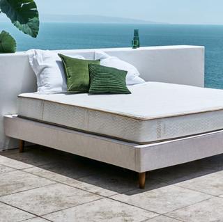 Saatva Zenhaven latex mattress (queen)