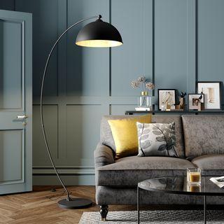 Curved floor lamp Jonera, black and gold