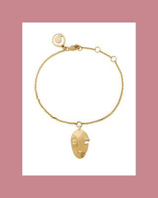 The avant-garde mask bracelet