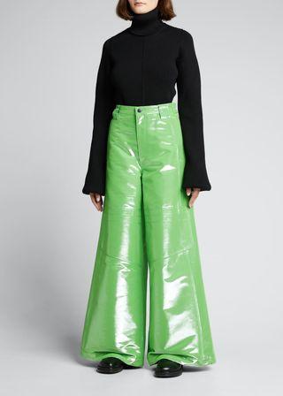 Shiny ski pants with wide legs