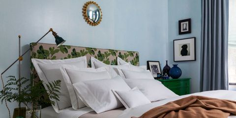 Room, Interior design, Textile, Wall, Pillow, Linens, Interior design, Throw pillow, Picture frame, Bedding,