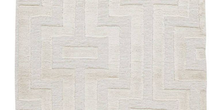 Long A Decorator S Secret White Rugs Ground And Unify All Kinds Of Rooms No Matter The Style Or Era