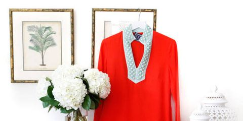 Collar, Sleeve, Outerwear, Coat, Bouquet, Flower, Petal, Blazer, Fashion, Flowering plant,